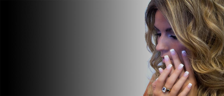 Bij DES Hair & Nails bent u verzekerd van een look die bij U past!